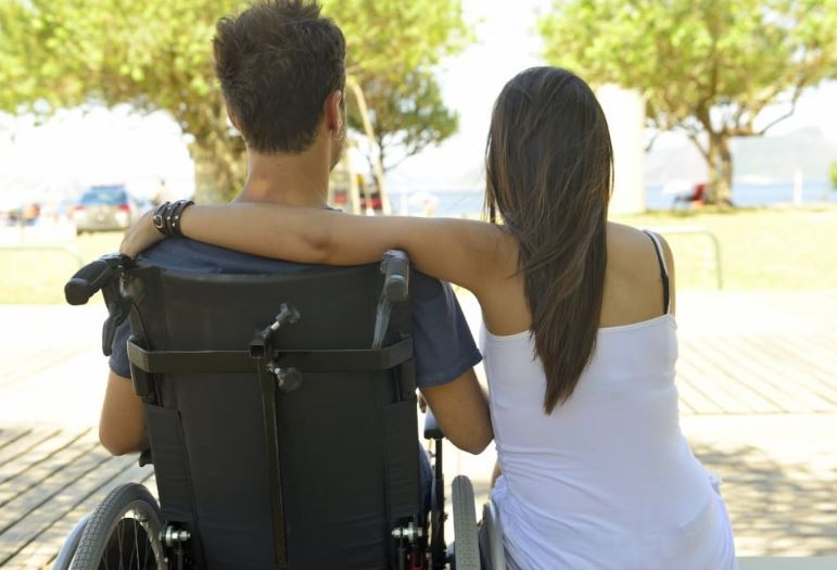 10 Tips to dating someone in a wheelchair