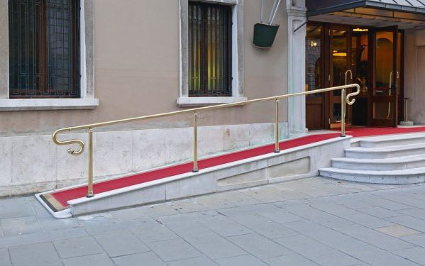 Wheelchair Ramps vs Wheelchair Lifts – The Ultimate Review